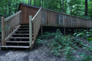 The-View-Cataract-Lake-Log-Cabin-Rental-Deck-Stairs-1-Cloverdale-Indiana